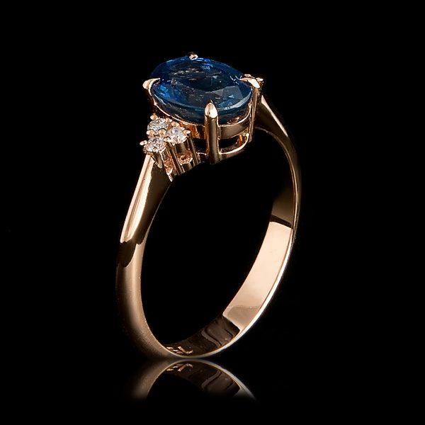 Δαχτυλίδι Μονόπετρο Ρόζ Χρυσό Με Ζαφείρι Και Φυσικά Διαμάντια Sri0153